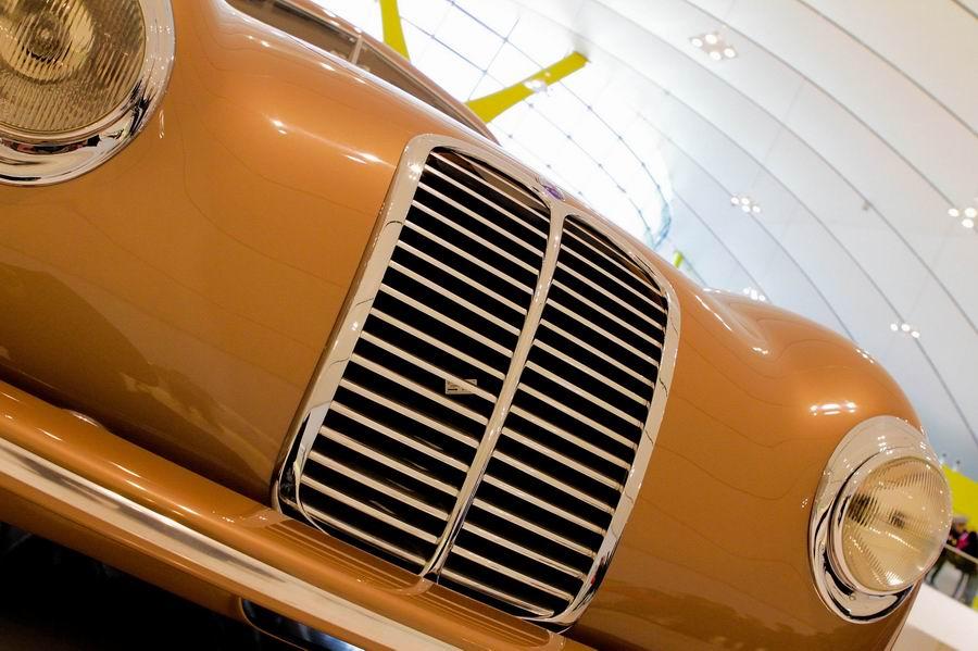 Enzo Ferrari Museum. Автомобильный музей Феррари в Модене