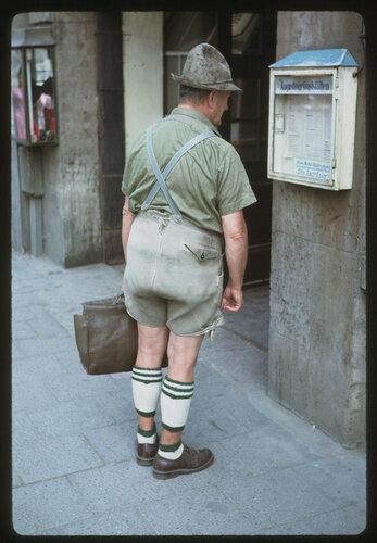 баварец в национальной одежде. Мюнхен 14 июня 1964 г..jpg
