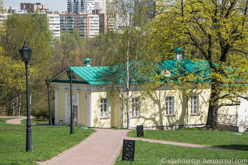 Коломенское. Дворцовый павильон 1825 года. Фокусное 135 мм.