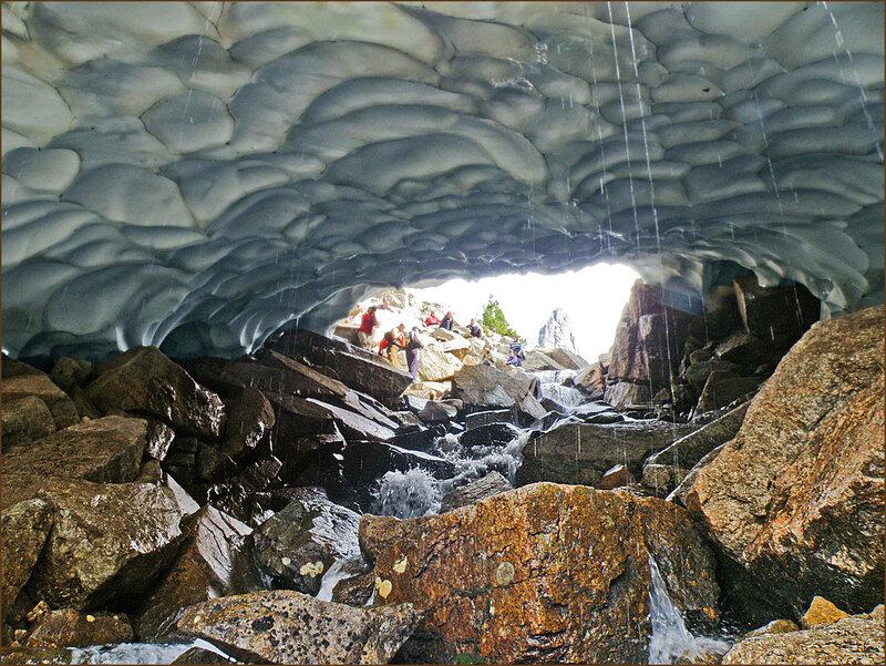 Под снежной крышей