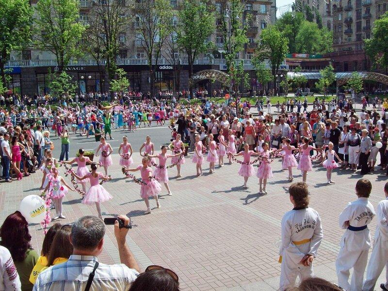 карнавал детского творчества на Крещатике