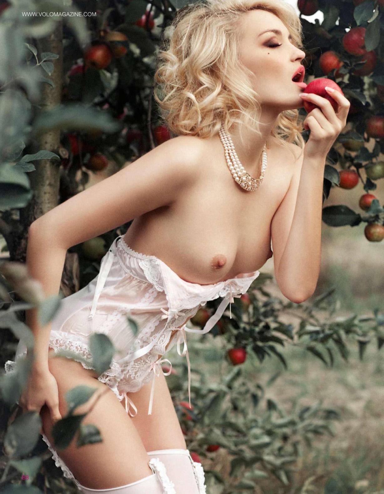 Анна Кривуца / Анна Барендрегт / Anna Barendregt by Julia Skalozub - Volo Magazine april 2014 issue 12