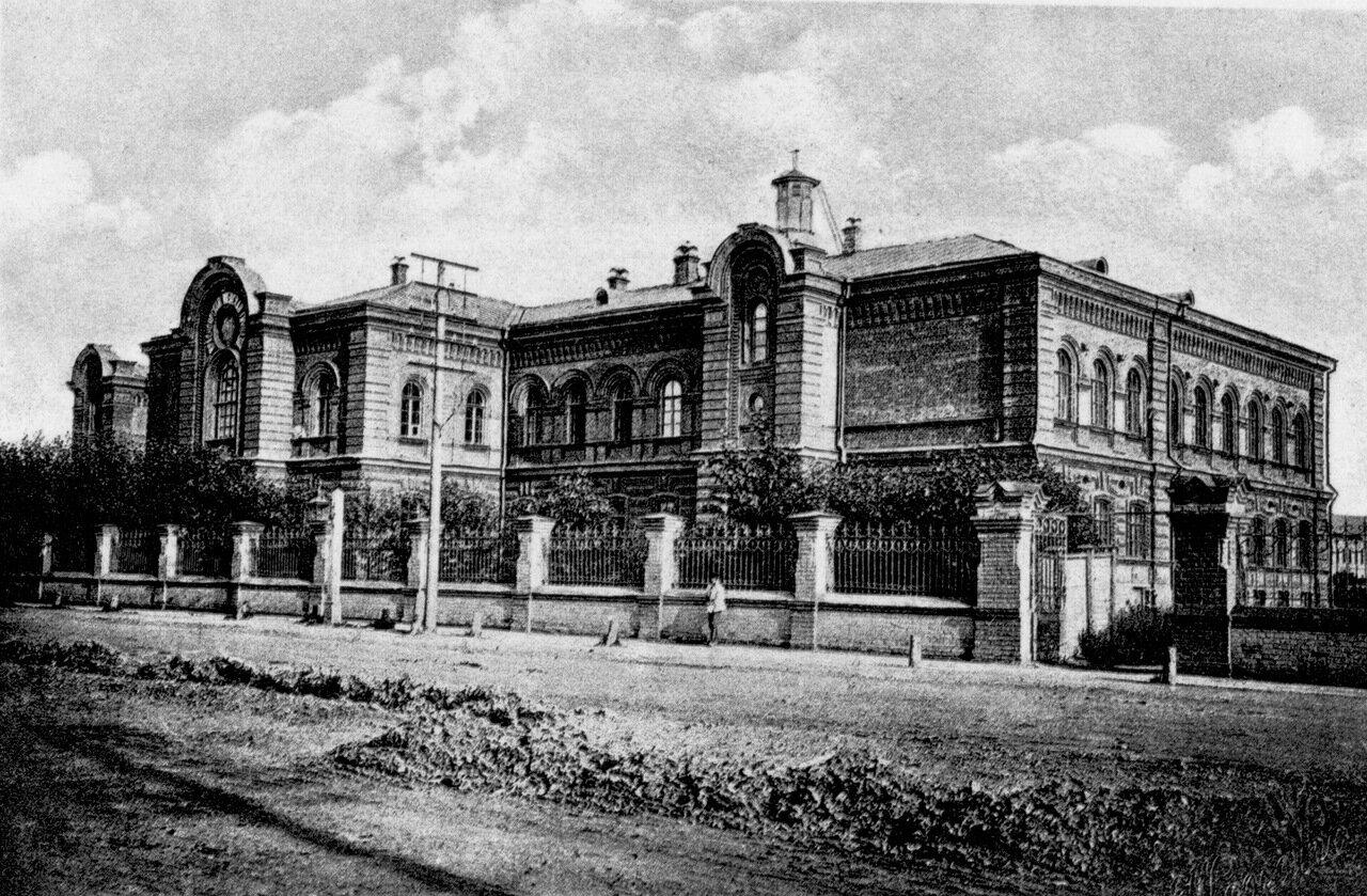 Здание женской семинарии