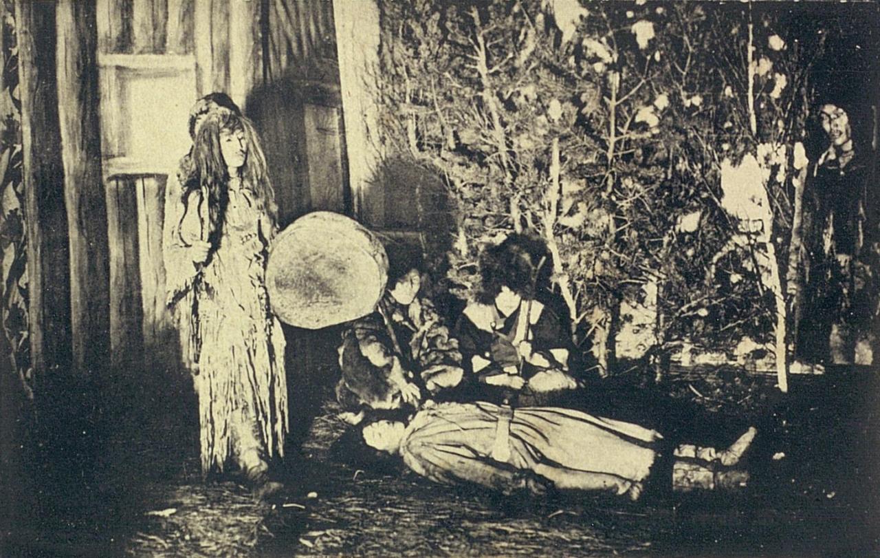 Якут шаман на сцене