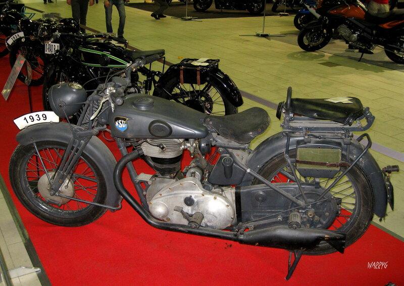 Мотосалон IMIS-2012 в «Гарден Сити». Ретро зона. Немецкий мотоцикл NSU 1939 г.