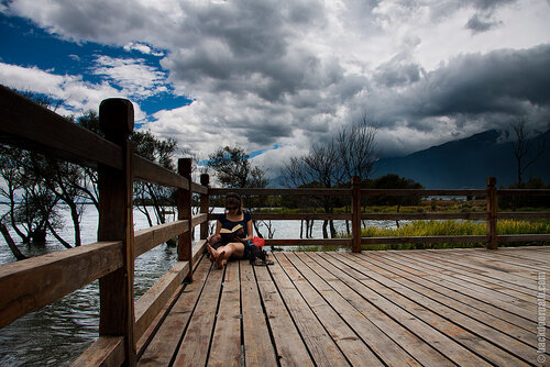 пирс на озере Эр-Хай, провинция Юньнань, Китай