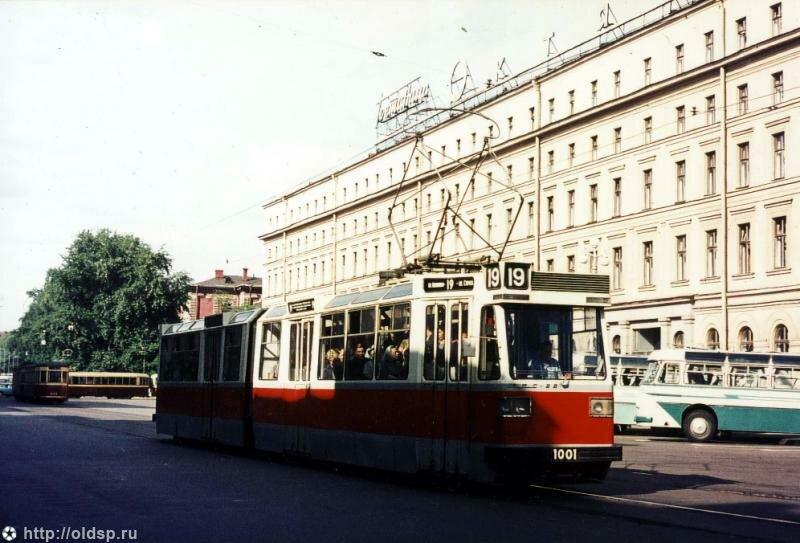 Маршрут 19 - от площади Калинина до Нарвских ворот. трамвай.