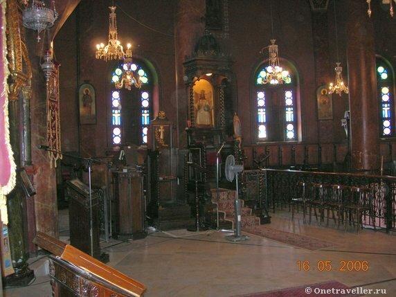Центральная часть храма вмч. Георгия Победоносца в Каире