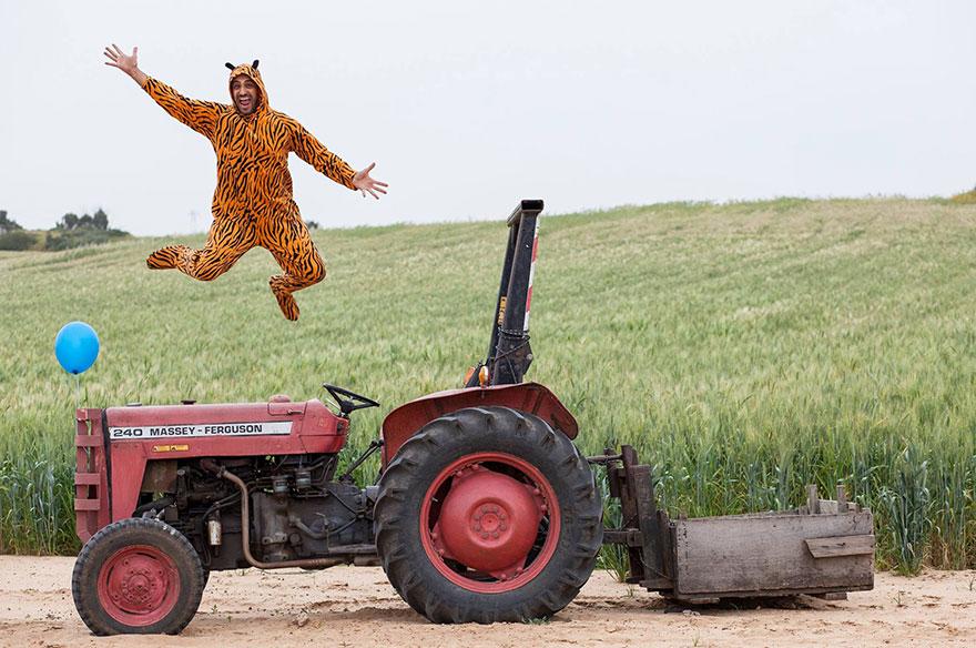 «Все приезжали в школу на машинах, а я на тракторе». Тигр Эльдар.