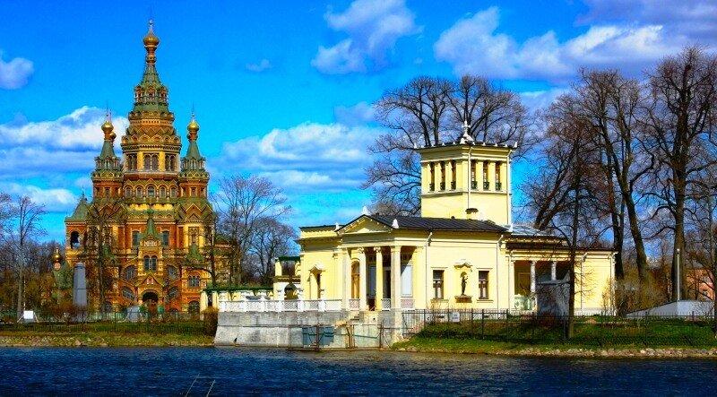 Вид на Собор Петра и Павла и на Царицын павильон