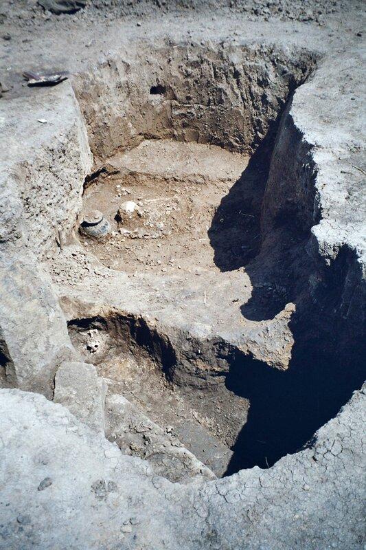 Захоронение в кургане раннего бронзового века (2-ая половина III тыс. до н.э.) в Нижнедонских Частых курганах