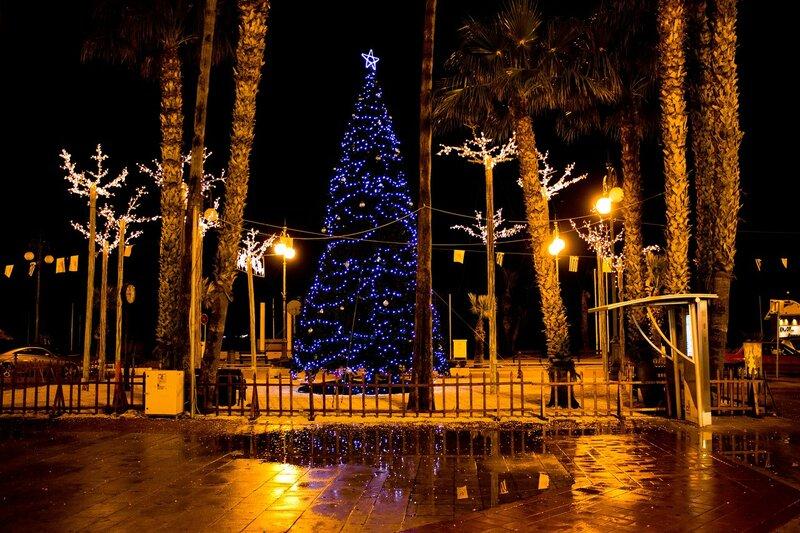 новогодняя елка в Ларнаке