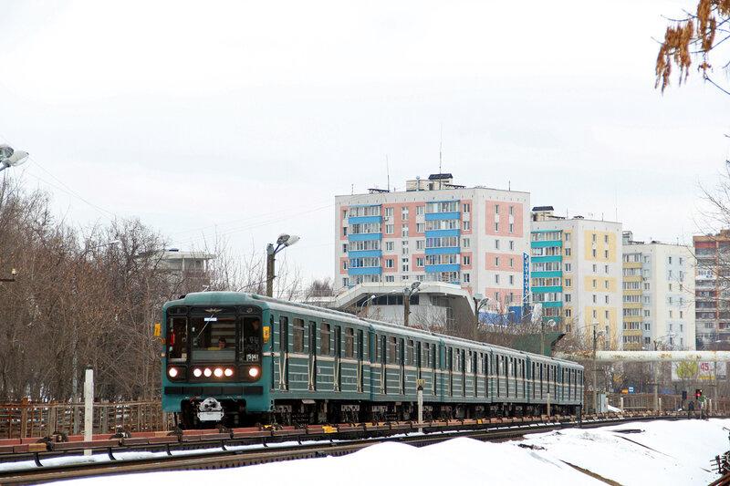 Перегон Пионерская - Кунцевская, маршрут 54.