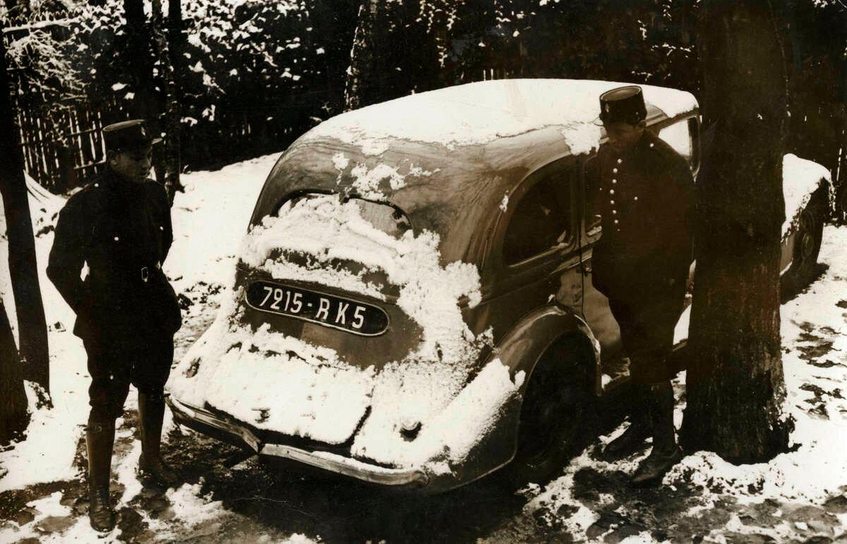 08. Машина Жозефа Коффи, обнаруженная французской полицией.