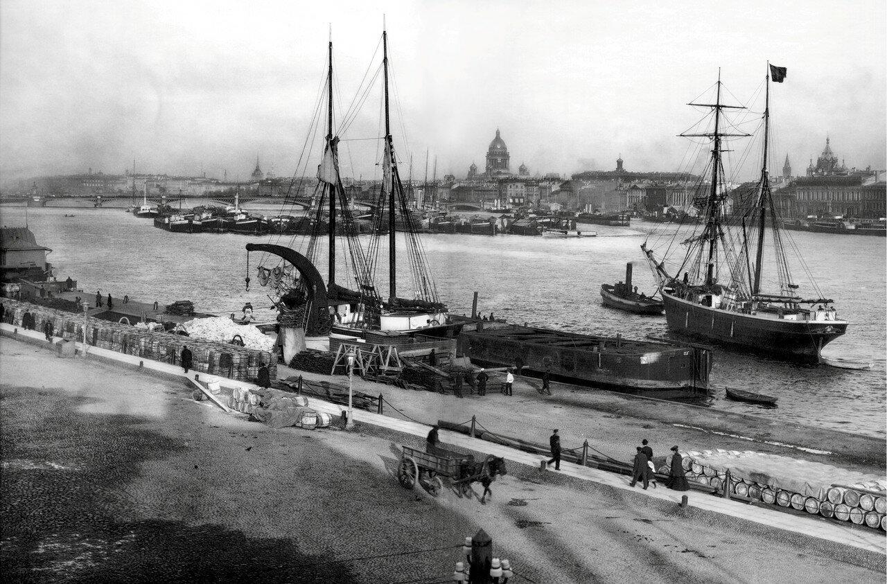 Панорама Невы. Вид с Николаевской набережной Васильевского острова