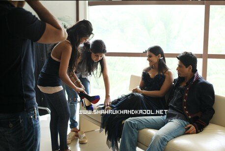SRK, Gauri Khan & Kajol - Sets of Magazine
