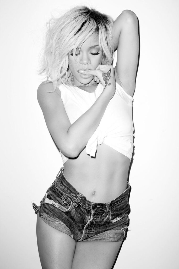 Рианна (Rihanna) май 2012