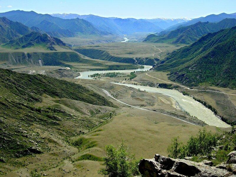 Долина р.Катуни в районе впадения в нее р.Чуи