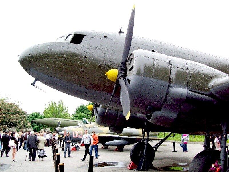 Самолеты в музее ВОВ