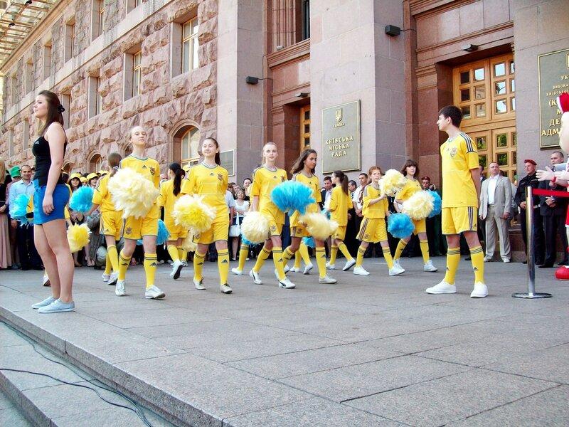 Церемония презентации Кубка Евро 2012