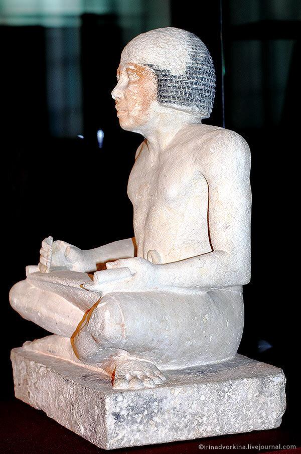 Статуя писца Хети