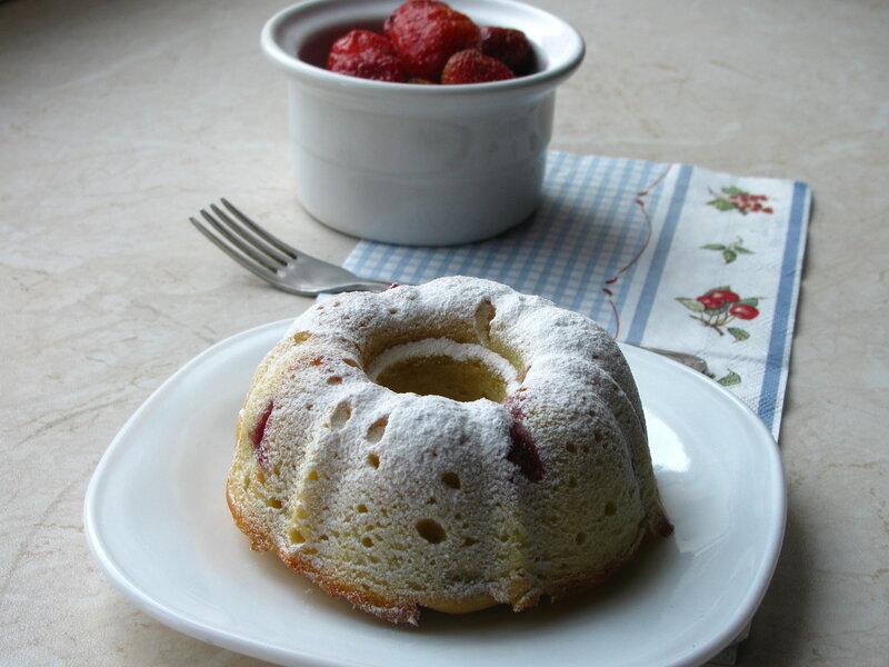 Нежный кекс с ягодами