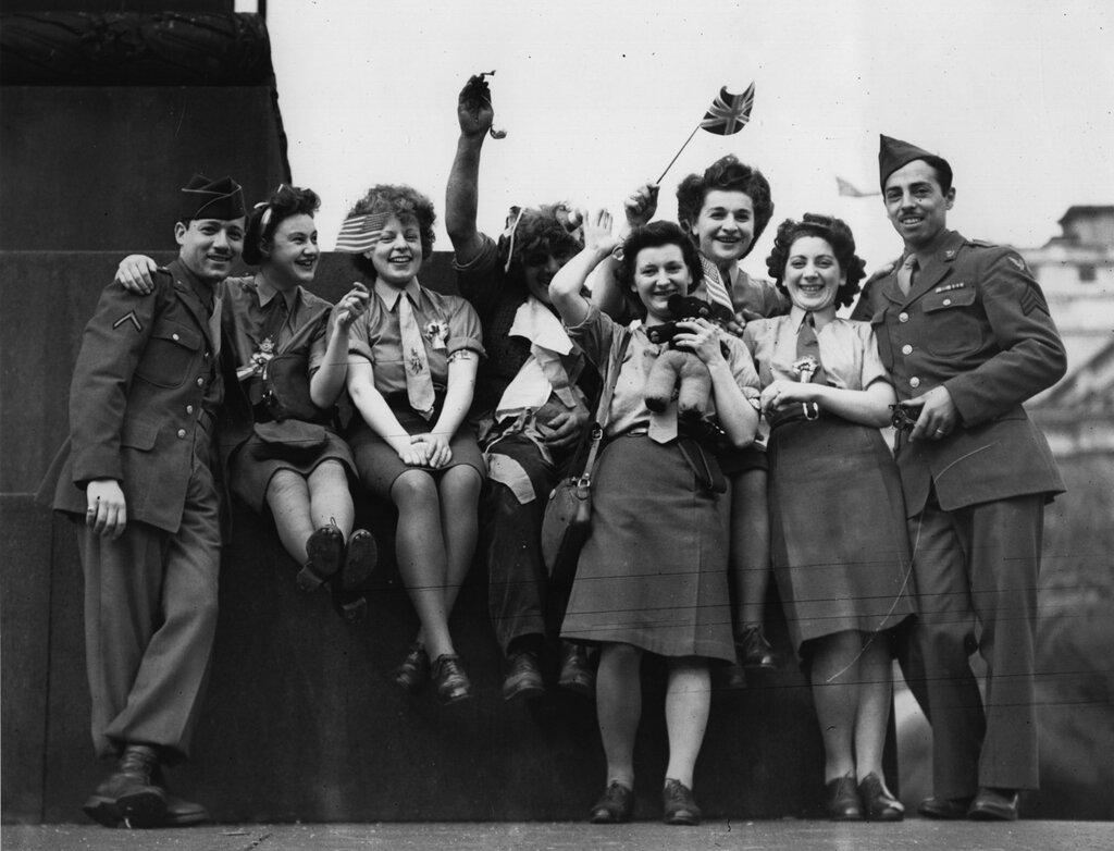 VE Day Soldiers