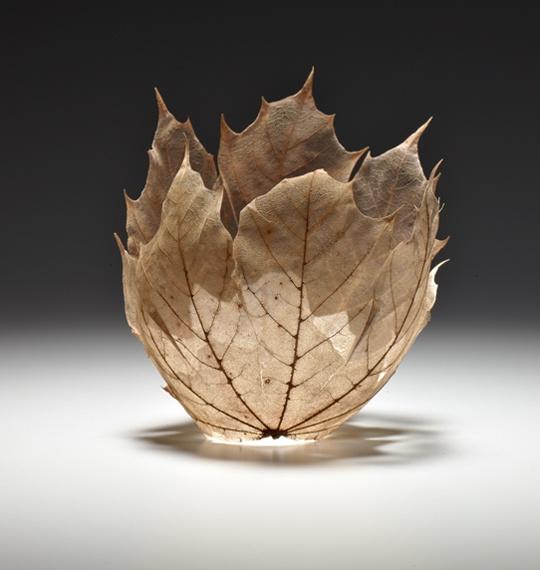Красивые вазы из листьев