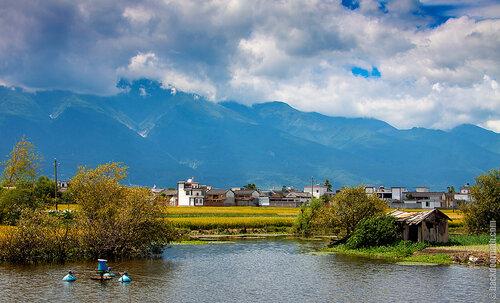 дорога к озеру Эр-Хай, провинция Юньнань, Китай