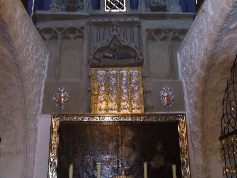 Мощи св. Вальпурги в соборе Айхтета
