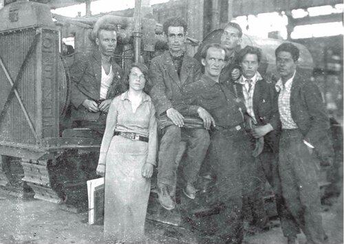 Челинцова_Челябинский тракторный_1933.jpg