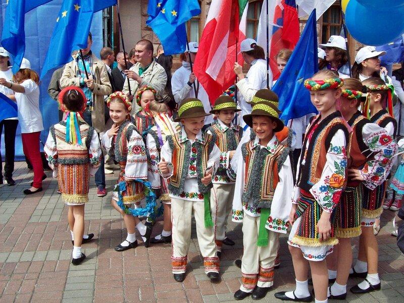 Участники церемонии открытия Дня Европы 2012 в Киеве