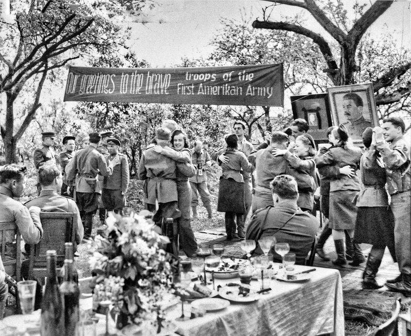 Встреча союзников. Город Торгау, апрель 1945 г