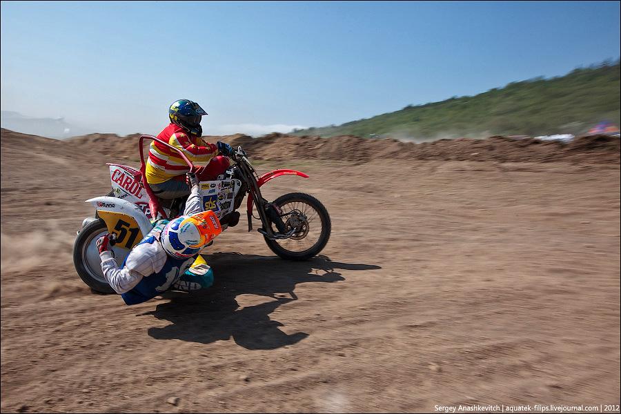 Гонки на мотоциклах с коляской