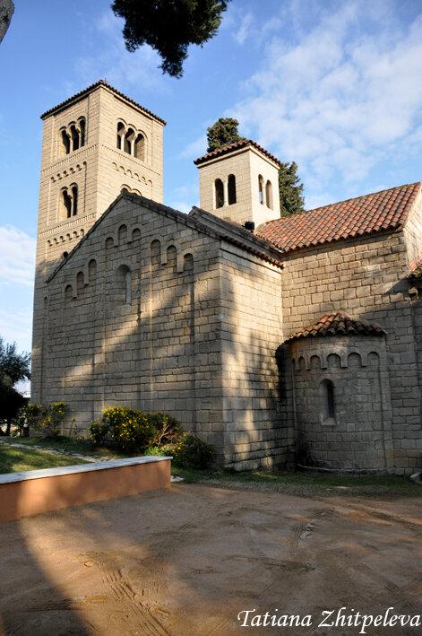 романская церковь