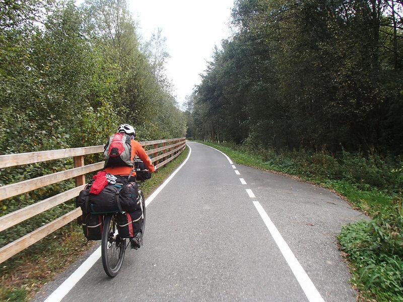 велодорожка в долине Адидже (Adige), Альпы, Италия