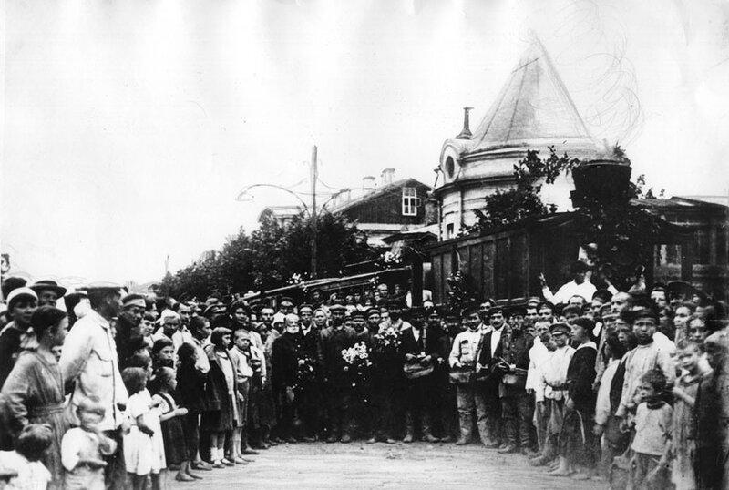 12510 Проводы паровичка в Петровском-Разумовском. По маршруту паровичка №9 1922 Фортунатов-младший.jpg