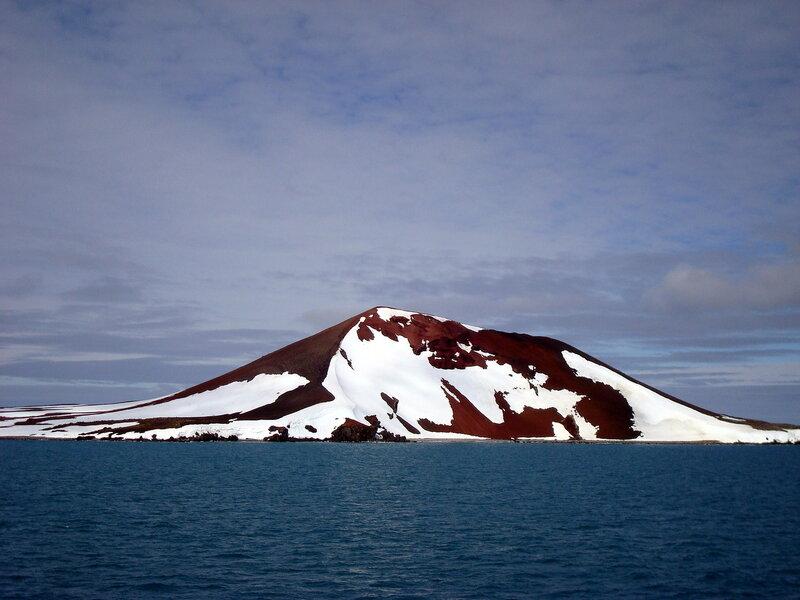 красный остров