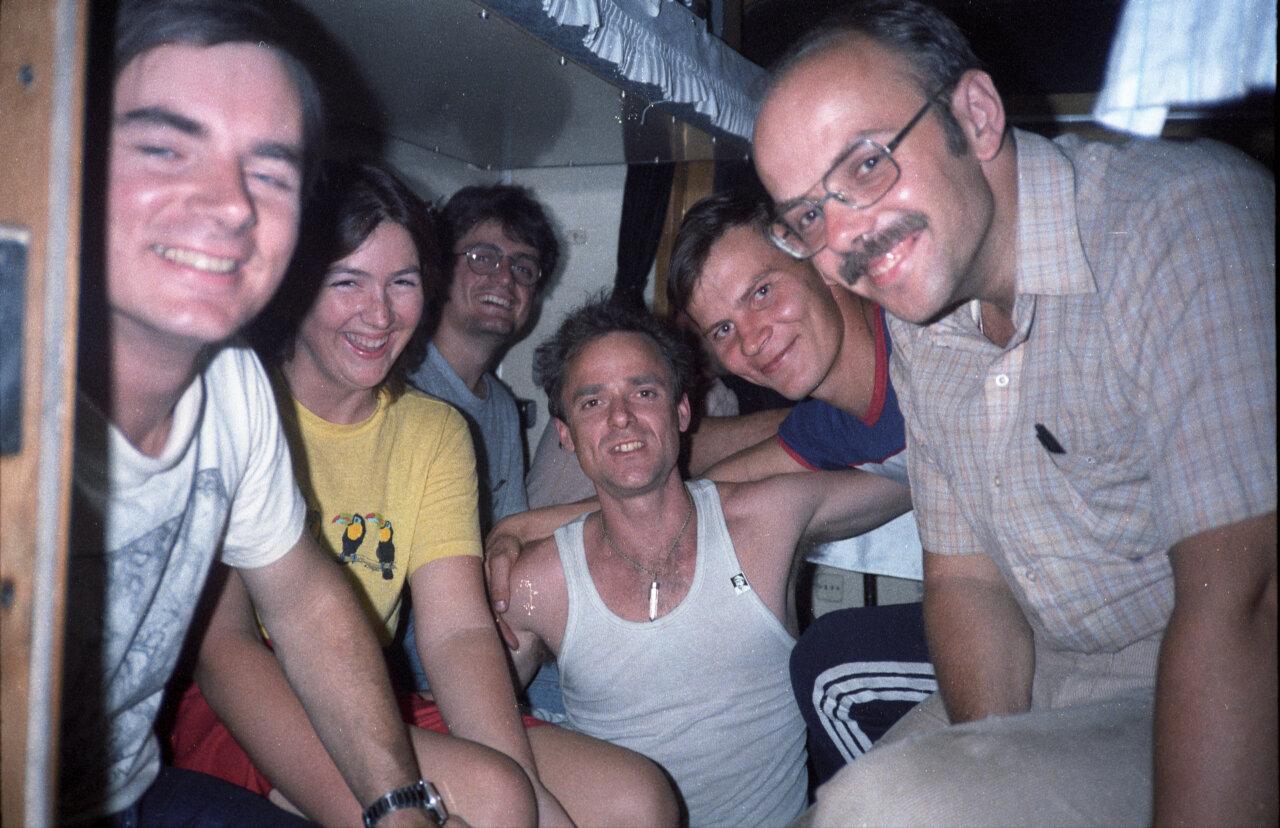 07. Ночная вечеринка в купе вагона