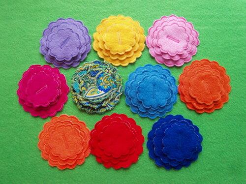 Детский развивающий коврик ~ Цветочные фантазии... цветы из ткани