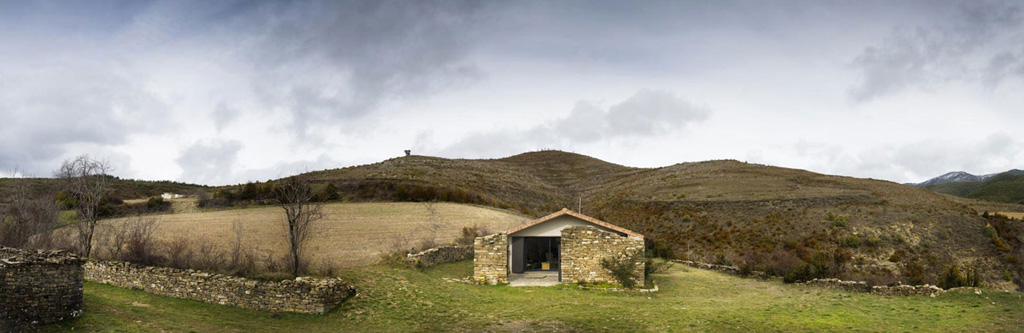 secluded-vacation-home-in-the-pyrenees-0.jpg