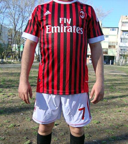 Milan02_cr