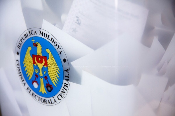 Лидер социалистов Игорь Додон объявил о собственной победе навыборах президента Молдавии