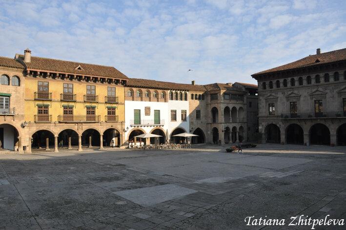 площадь испанской деревни2