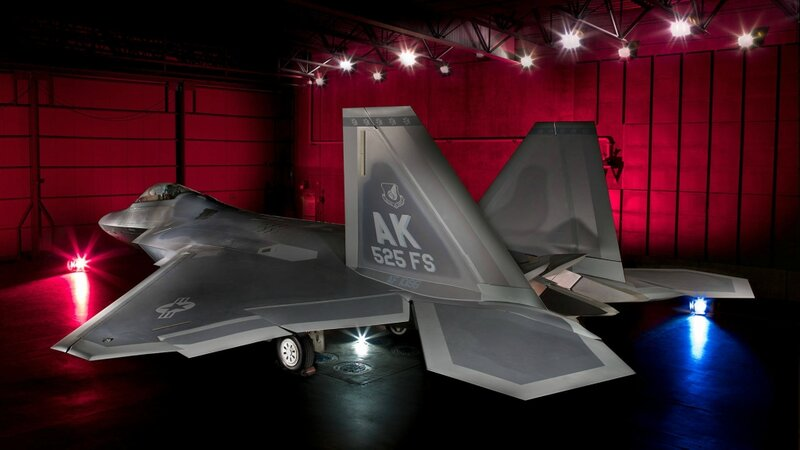 MP12-0375 F-22 Raptor 4195 static B-128
