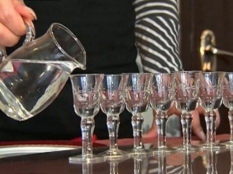 Можно ли не пить спиртные напитки на поминках