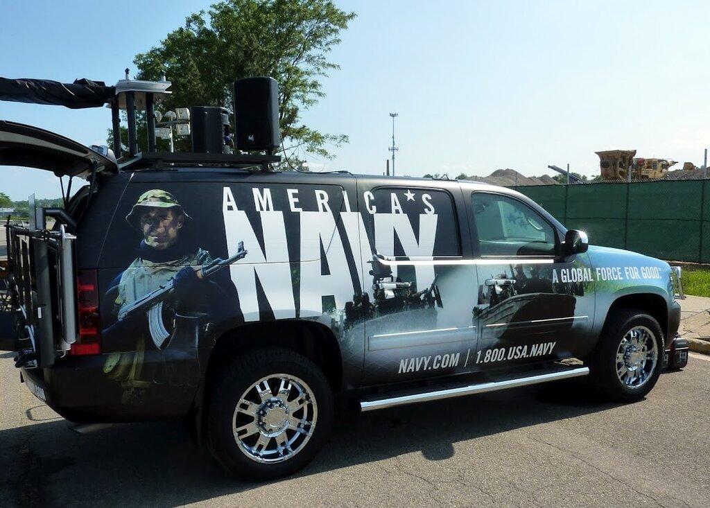 Рекламный автомобиль военно–морского флота США