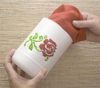Как сделать вышивку на пластиковом стакане