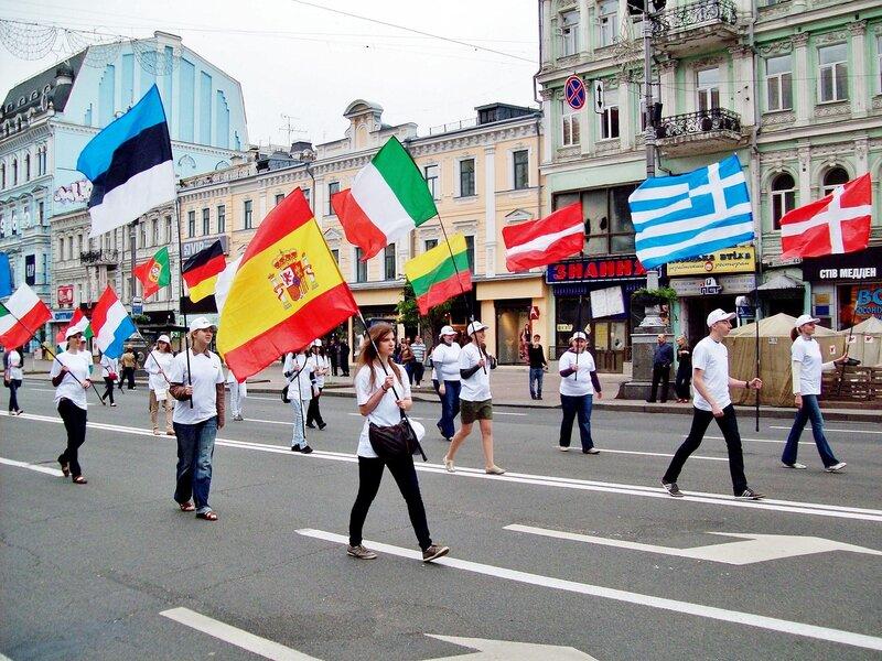 Участники Европейского парада 2012 по Крещатику