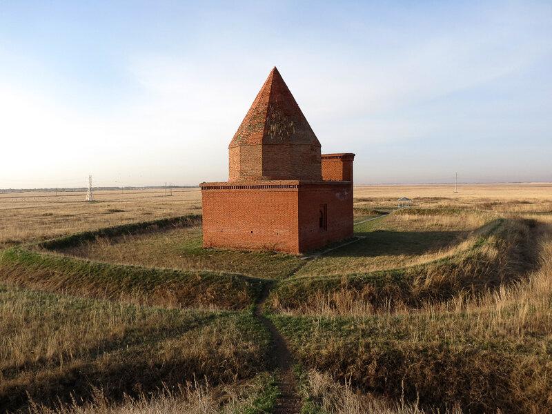 Фотография мавзолея кесене (башни тамерлана)